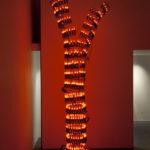 """""""Colonna"""" 2011 ferro e lampadine a fiamma 293x62 cm."""